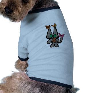 El gatito tiene Butterflys que lo visita Camiseta De Perro