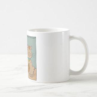 El gato 631 comió el dibujo animado del ratón del taza básica blanca