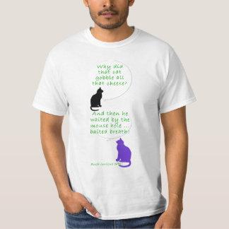 El gato caseoso es cebo del ratón camisas