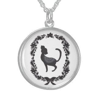 El gato de la obra clásica del vintage collares de plata esterlina