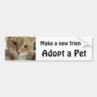 El gato de Tabby anaranjado adopta a un mascota Pegatina Para Auto