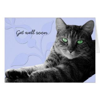 El gato de Tabby con las patas cruzadas, consigue  Tarjeta De Felicitación