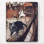 El gato del castillo por Rackham Alfombrilla De Ratón