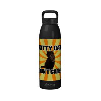 El gato del gatito no cuida botella de agua reutilizable