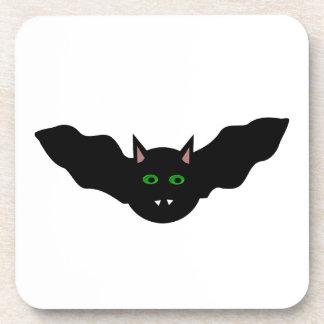 El gato del vampiro hizo frente al práctico de cos posavaso