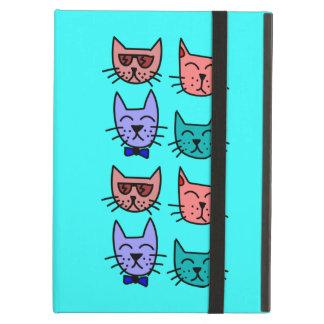 El gato divertido lindo del dibujo animado hace fr