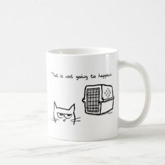 El gato enojado no irá al veterinario taza