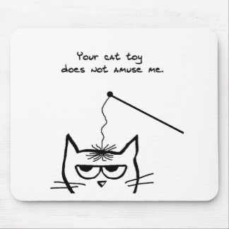 El gato enojado no se divierte alfombrillas de ratón
