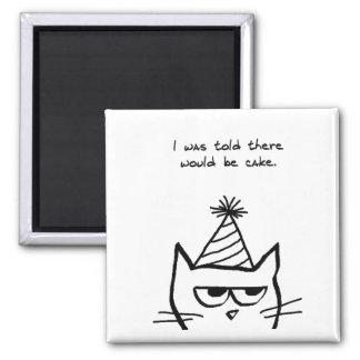 El gato enojado odia cumpleaños imán redondo 5 cm