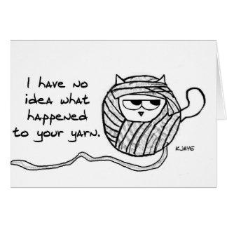 El gato enojado tiene gusto del hilado tarjeta de felicitación