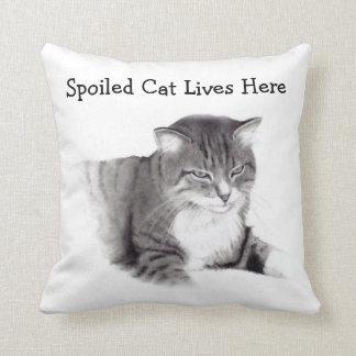 El gato estropeado vive aquí: Dibujo de lápiz: Mas Almohadas