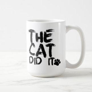 El gato lo hizo taza de café