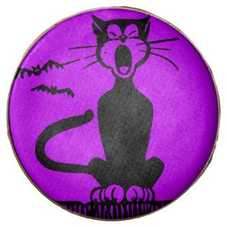 El gato negro de Halloween, el chocolate con leche