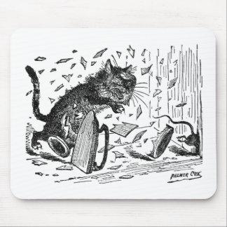 El gato pierde la cena cuando el ratón se escapa tapete de raton
