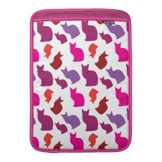 El gato púrpura rosado del gatito siluetea los reg funda macbook air