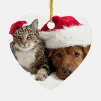 El gato y el perro desean Felices Navidad Adorno Navideño De Cerámica En Forma De Corazón