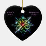 El gay casa nuevamente el primer copo de nieve del adorno navideño de cerámica en forma de corazón
