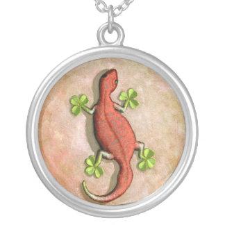 El Gecko de St Patrick Pendiente