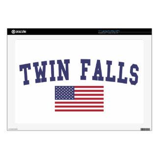 El gemelo se cae bandera de los E.E.U.U. Skins Para Portátil