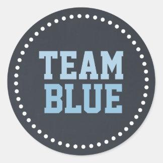 El género azul del bebé de la pizarra del equipo pegatina redonda