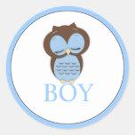 El género dulce del búho de Little Boy revela al Etiquetas Redondas