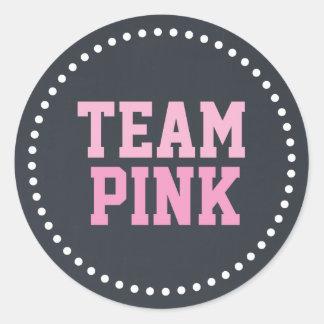 El género rosado del bebé de la pizarra del equipo pegatina redonda