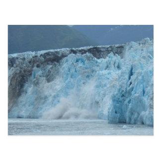 El glaciar de Hubbard se estrella en el golfo de A Postales