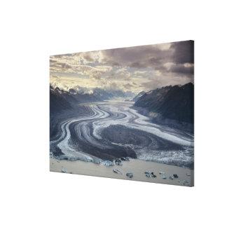 El glaciar de Lowell fluye en el río de Alsek aden Impresión En Lona
