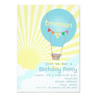El globo azul del aire caliente embroma a la invitación 12,7 x 17,8 cm