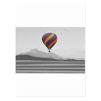 El globo colorido del aire caliente de Colorado y  Postal