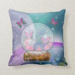 El globo de la mariposa almohada