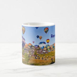 El globo de Reno compite con la taza