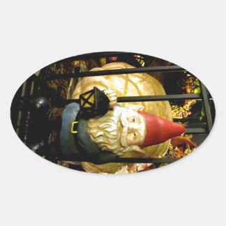 El gnomo y el gigante pegatinas de óval personalizadas