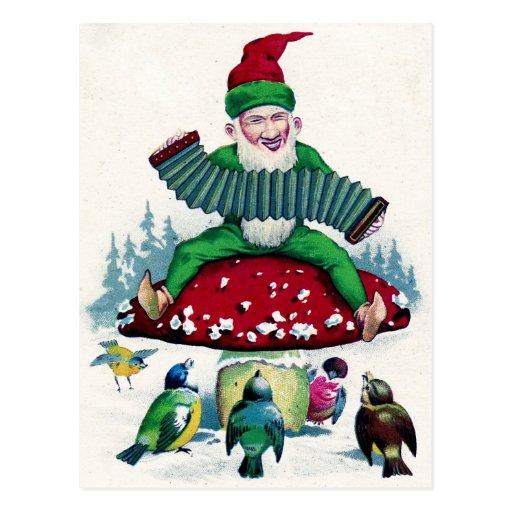 El gnomo y los pájaros cantan y celebran postal