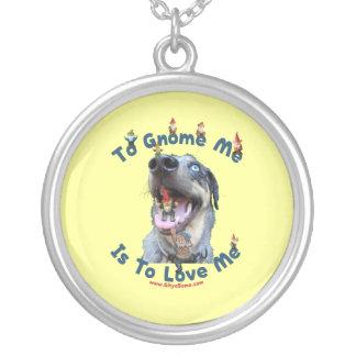 El gnomo yo me ama perro colgante redondo
