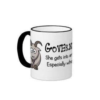 El gobierno va a adonde no pertenece taza de dos colores