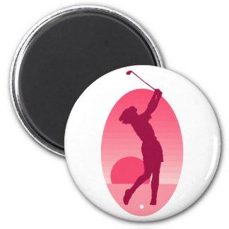 El golf de las mujeres rosadas imán redondo 5 cm