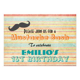 El golpe del cumpleaños del bigote invita invitacion personal