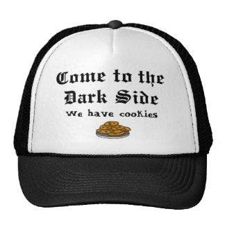 El gorra de la comedia viene al lado oscuro