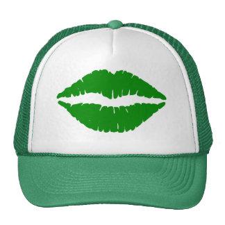 El gorra de St Patrick verde del beso
