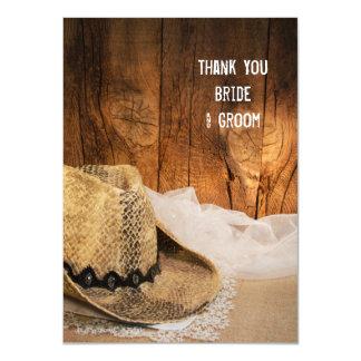 """El gorra de vaquero y el boda occidental de madera invitación 4.5"""" x 6.25"""""""