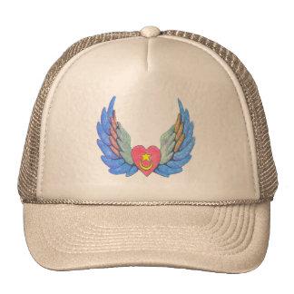 El gorra del camionero con el corazón con alas