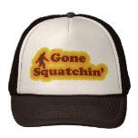 El gorra ido de Squatchin tiene gusto de Bobo