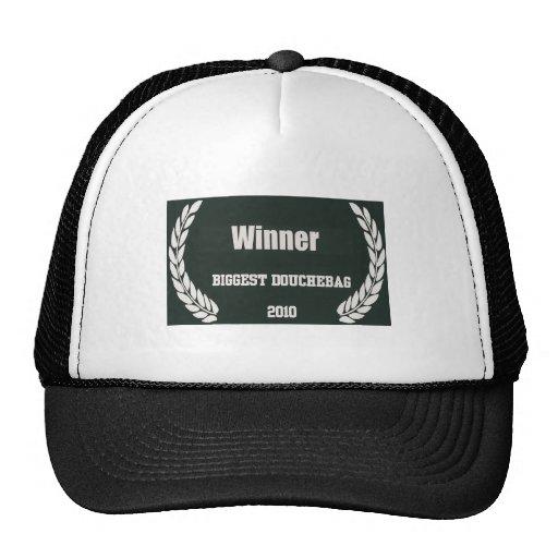 El gorra más grande de Douchebag