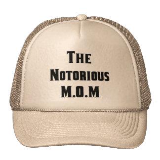 El gorra notorio de M.O.M