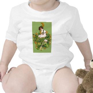 El gráfico de St Patrick irlandés de la muchacha Camiseta