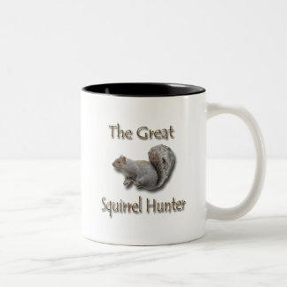 El gran gris del cazador de la ardilla taza dos tonos