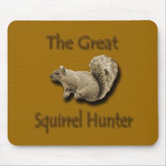 El gran marrón del cazador de la ardilla mousepad