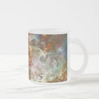 El gran nacimiento de la estrella de la nebulosa taza de cristal