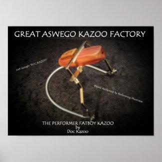 El gran poster oficial de la fábrica del Kazoo de